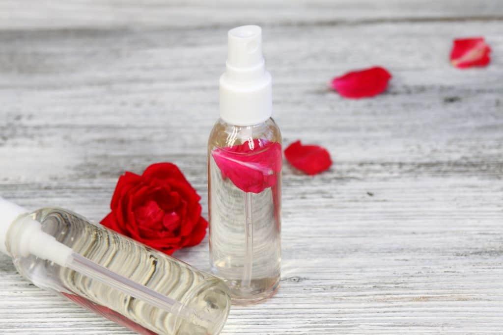 rosenwasser test 2018 die besten rosenwasser im vergleich. Black Bedroom Furniture Sets. Home Design Ideas