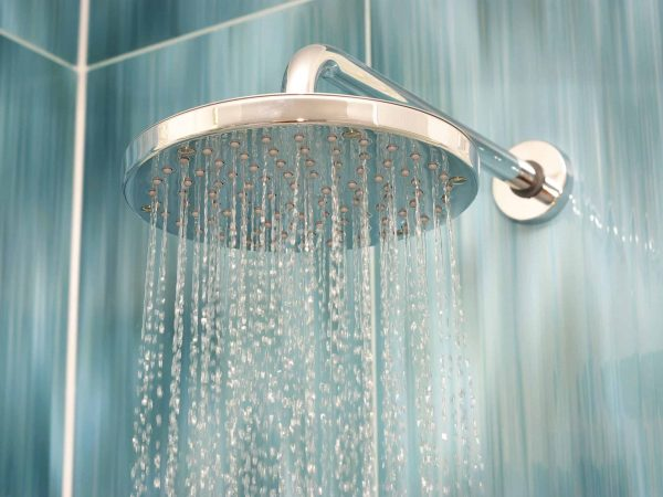 18028647 – head shower while running water